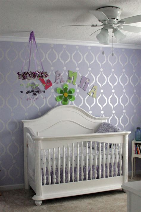 lavender paint with pearl white paint stencil design i wish i could do this one of the walls