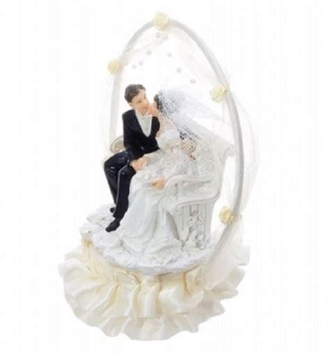 Torten Brautpaar by Torten Figur Brautpaar Im Bogen Auf Bank Hochzeit