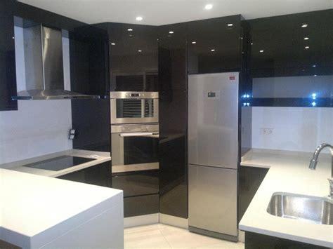 bloc cuisine evier frigo plaque 9 cuisine sur mesure