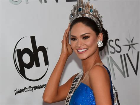 Miss Nevada Usa Loses Shirt Then Title by Miss Universe 2015 Winner S Prizes Business Insider