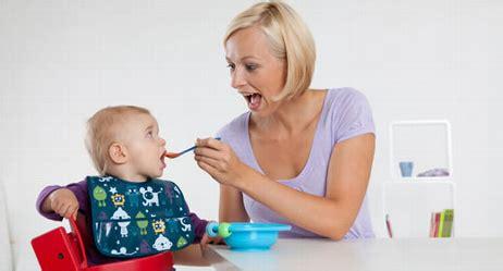 ab wann darf mein baby brei essen mein baby will keinen brei essen was tun baby und familie