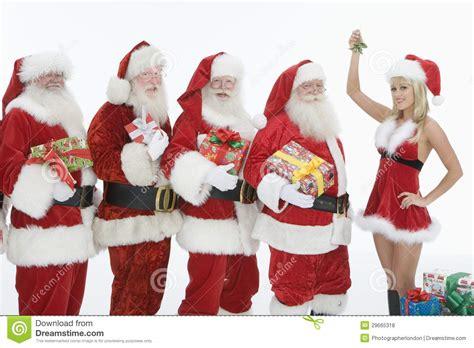 imagenes de santa claus para hombres hombres vestidos en santa claus outfits with mrs claus
