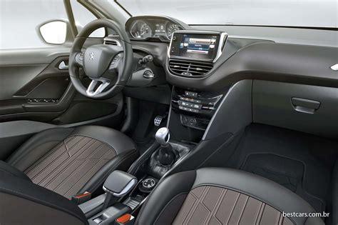 peugeot partner 2008 interior peugeot revela foto do interior do 2008 brasileiro best cars