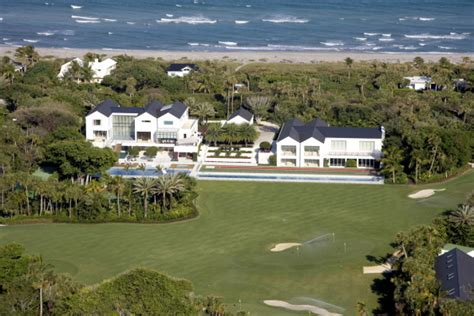 tiger woods house tiger woods jupiter island mansion in florida is sinking