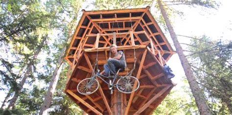 tree elevator bicycle powered tree house elevator 8 pics
