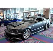 Est Une Ford Mustang GT  Oui