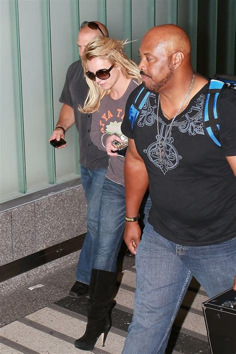 Kevin Federline Lands An Actual Snarky Gossip 5 by Photos Photos Lands At Lax