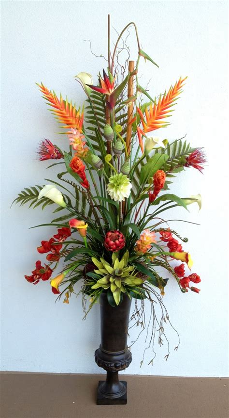 flower arrangements 25 best ideas about tropical floral arrangements on