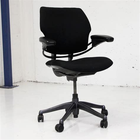 humanscale freedom task chair uk humanscale freedom operator chair black fabric black