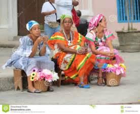 alte op le kubanische frauen redaktionelles foto bild 45749936