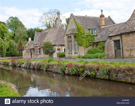 traditional cottage style homes cotswold cottage style english stone cottages in the traditional cotswold style