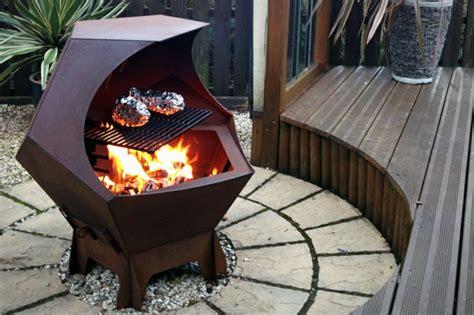 feuerschale feuer machen interessante varianten f 252 r feuerschale mit grill