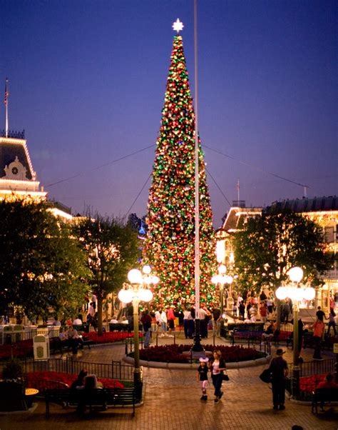 christmas tree decorating tips from disneyland resort