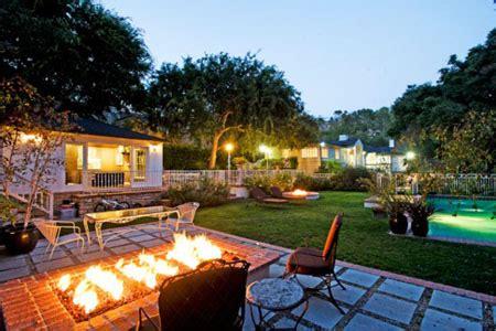 million dollar backyard replicate these multi million dollar backyards outdoor patio ideas