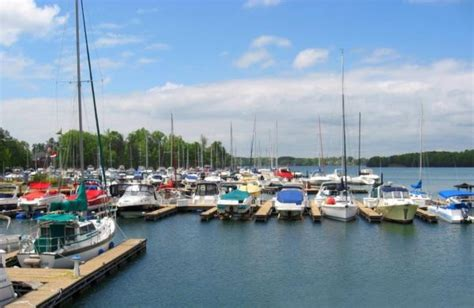 destination boat club lake norman choose your own adventure 5 pontoon destinations to check