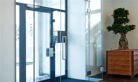 schiebetüren glas aussenbereich wohnen mit glas glasvetia