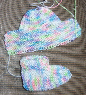 free knitting patterns baby socks two needles bev s stay on booties category 1 or 2 baby or sport