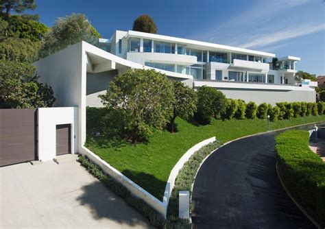 big modern houses large modern home with lovely city views bel air los