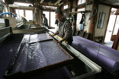 How To Make Paper In Factory - traditional korean papermaking developed in jeonju zimbio