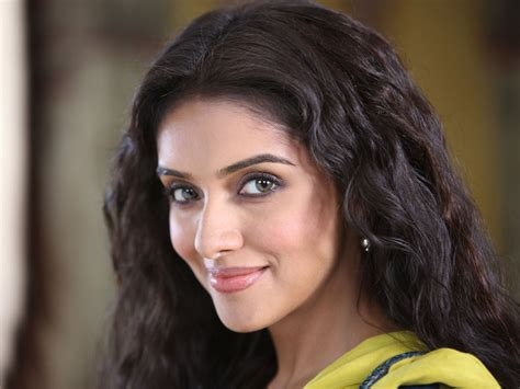 actress asin photo asin thottumkal wide full hd 1080p wallpapers images pics