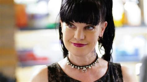 Shoptalk Podcast Pauley Perrette Ncis A Who Knows Way Around A Salvation Army by Pauley Perrette Says Goodbye To Ncis Newsday