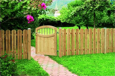 fencing backyard ideas fence backyard ideas backyard fence ideas to keep your