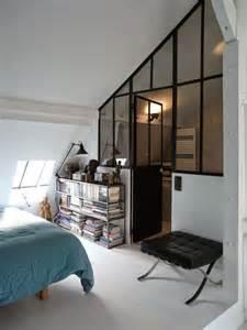 lovely Diviser Une Chambre En Deux #1: chambre-sous-combles-avec-verriere_5585917.jpg