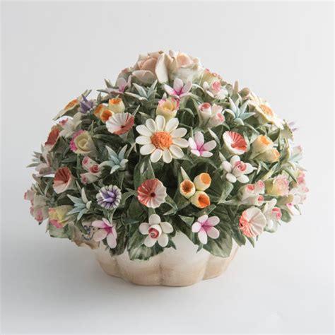 fiori capodimonte cesto di fiori di co in porcellana di capodimonte