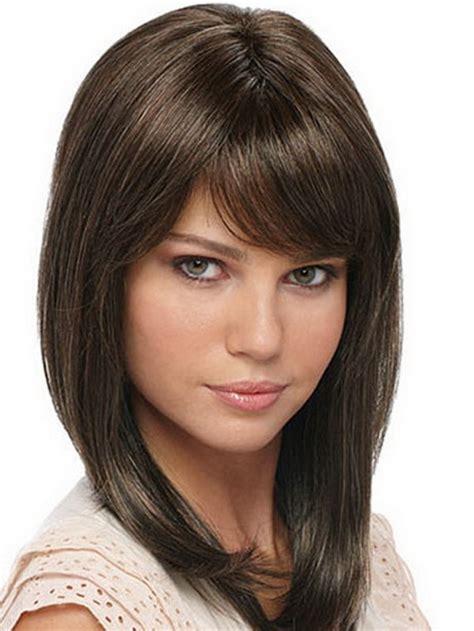 below shoulder simple layered hair style cute haircuts medium length