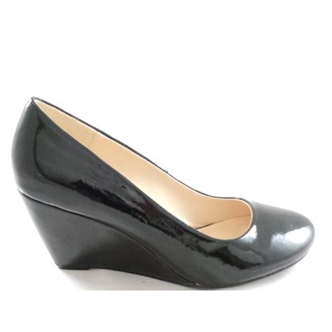 black shiny wedge court shoe from size4footwear uk