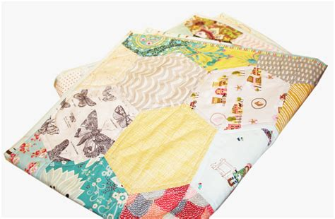 Size Of A Cot Quilt by Hexie Quilt Cot Size Basil Madeit Au