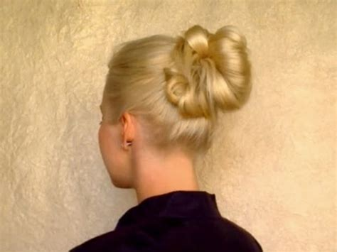 hairstyles for long straight hair tutorials 5 minute updo for everyday top knot messy bun school