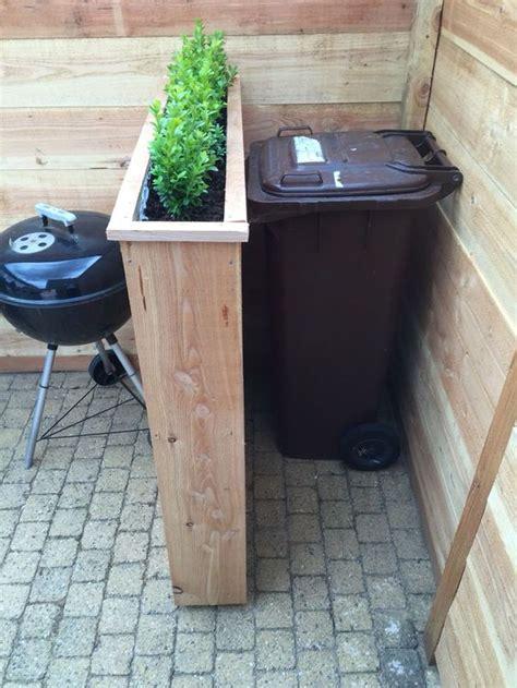 sistemare giardino sistemare i bidoni della spazzatura in giardino 20 idee