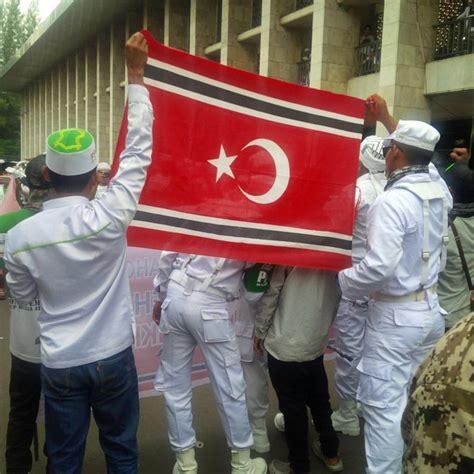 ahok latest news bendera aceh berkibar di tengah demo ahok papua merdeka news