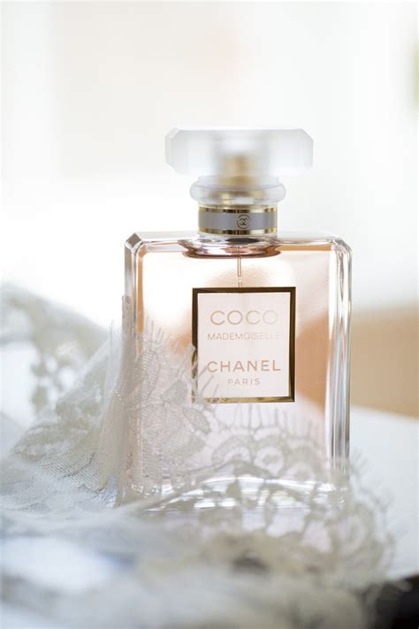 Pick Your Wedding Day Fragrance! 10 Most Loved Bridal