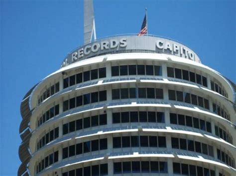 California Records Capitol Records Building Los Angeles Ca Hours Address Tickets Tours
