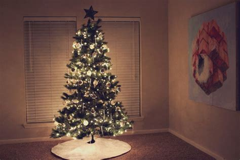 simple but beautiful christmas tree pictures simple decorations gray house studio
