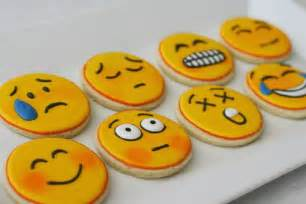 Drop in amp decorate design inspiration for basic round cookies