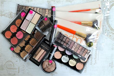 Beauty Blog Giveaways - 4 weeks of beauty giveaways becboop
