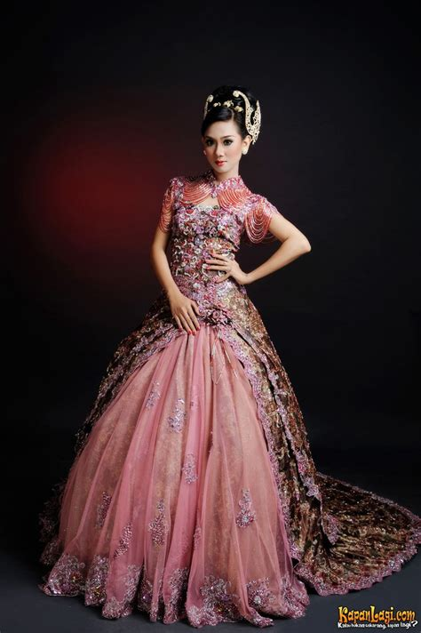 gambar gaun model princess gaun batik pengantin wedding planner pinterest