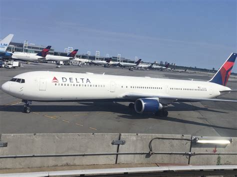 travel pr news delta discontinues domestic airfare contracts what it means for tour
