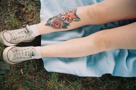 finger tattoo fox leg fox tattoo best tattoo design ideas