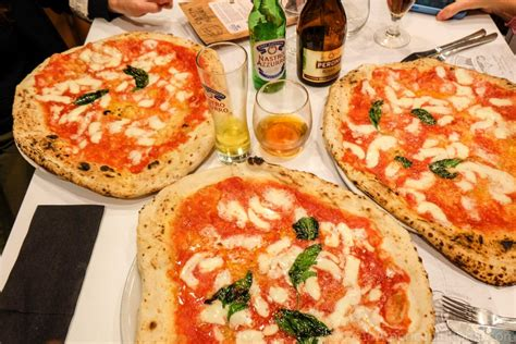 best pizza restaurants in rome da michele rome neapolitan pizza comes to the eternal