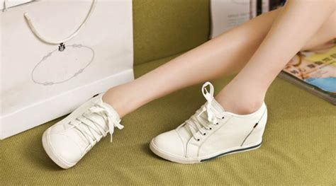 Sepatu High Heels Manis Gaya Korea capek pakai high heels variasi gaya dengan sepatu kets