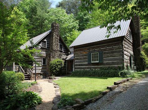 historic log cabins    nestled vrbo