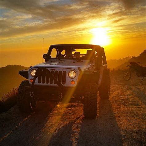 jeep sunset jeep flow what a great photo of this jeep and sunset