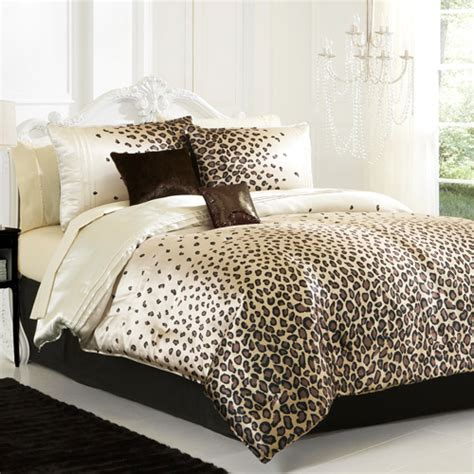 animal print bedroom hot trend leopard print