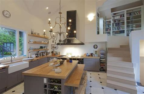 Kitchens With Cathedral Ceilings Pictures by 24 Kitchens With Jaw Dropping Cathedral Ceilings