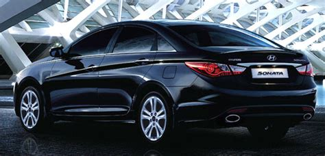 closest toyota the toyota camry and its 4 closest rivals rediff com