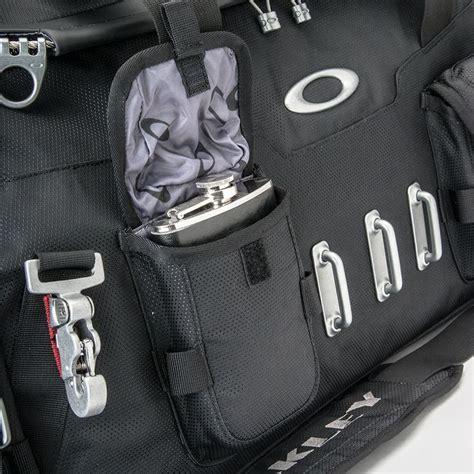Tas Oakley Travel Bag Bath Up Duffel Bag 8062 Army Loreng Murah Meriah promotional bath tub duffel bag oakley gadgets